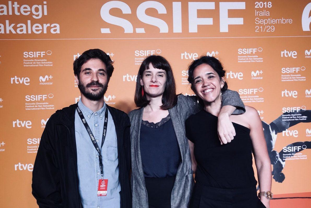 Lola Arias exhibió «Teatro de guerra» en San Sebastián, que anunció su presencia en el Festival de Gijón